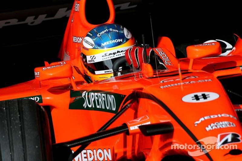 6. Adrian Sutil: 128 Rennen fuhr der Gräfelfinger in der Formel 1 - laut Lizenzpunkten 128 zu viel! Rechnet man ihm 18 Zähler für den Titel in der Japanischen Formel 3 und (großzügige) 20 für Platz zwei in der Formel-3-Euroserie an, so hätte er den Cut mit 38 Punkten trotzdem noch knapp verpasst.