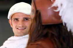 Vitantonio Liuzzi, Scuderia Toro Rosso; mit einem Gridgirl
