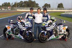 Фаусто Гресини позирует с Марко Меландри и Тони Элиасом,Team Gresini