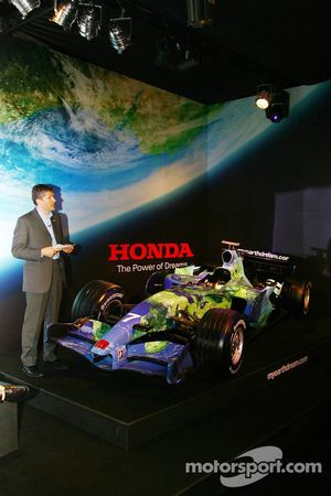 Honda F1 Racing RA107 ve Nick Fry, Honda Racing F1 Team, Şef Sorumlusu
