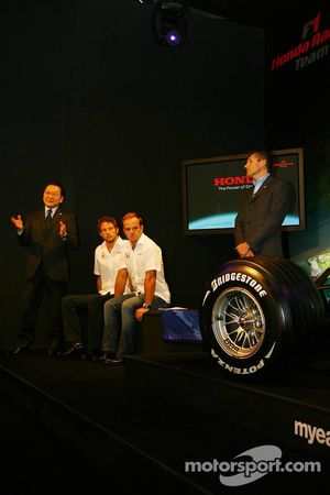 Yashurio Wada, Honda Racing Development Ltd, Başkanı, Jenson Button, Rubens Barrichello ve Nick Fry,