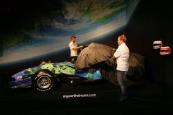 Jenson Button und Rubens Barrichello enthüllen den neuen Honda F1 Racing RA107