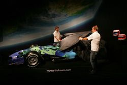 Jenson Button ve Rubens Barrichello reveal Honda F1 Racing RA107 its yeni renk düzeni