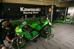 Le stand de Kawasaki Racing Team