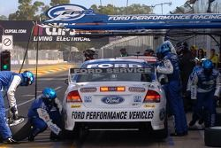 Mark Winterbottom in for tyres