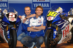 Colin Edwards, Yamaha Factory Racing; Valentino Rossi, Yamaha Factory Racing