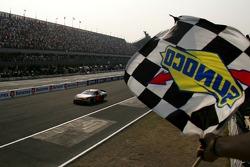 Juan Pablo Montoya gana la carrera