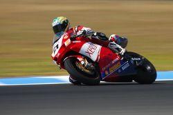 Troy Bayliss en forme durant la première scéance d'essai du championnat du monde de Superbikes, confirmé par une victoire lors de la première course puis une seconde place lors de la deuxième.