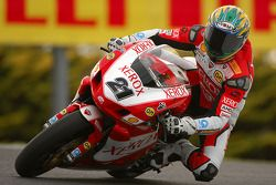 Troy Bayliss,champion du monde 2006, en action