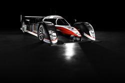 The Peugeot 908 HDi FAP with its new livery