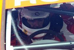 Todd Kelly attend le départ de la course