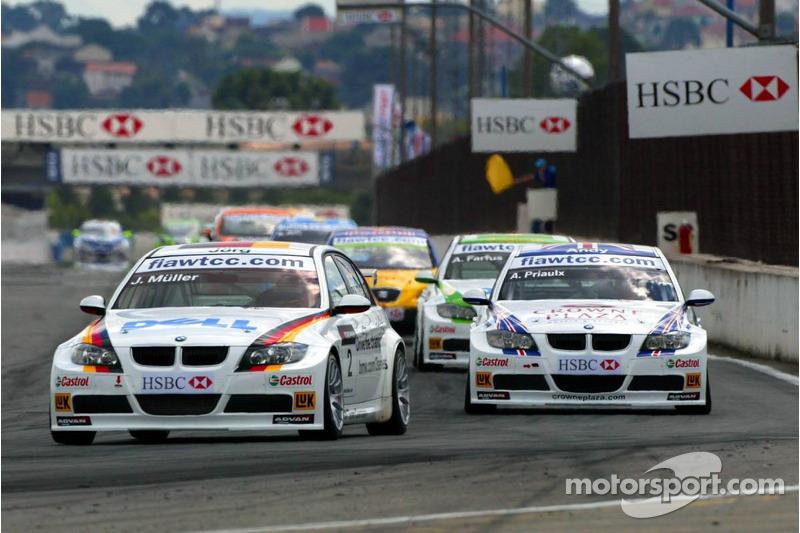 Départ : Jorg Muller, BMW Team Germany, BMW 320si WTCC et Andy Priaulx, BMW Team UK, BMW 320si WTCC