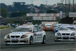 Jorg Muller, BMW Team Germany, BMW 320si WTCC and Andy Priaulx, BMW Team UK, BMW 320si WTCC