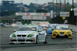 Augusto Farfus, BMW Team Germany, BMW 320si WTCC and Gabriele Tarquini, SEAT Sport, SEAT Leon