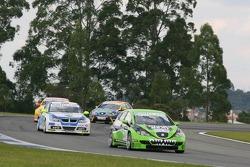 Emmet O'Brien, GR Asia, SEAT Leon and Sergio Hernandez, Proteam Motorsport, BMW 320si WTCC