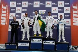 Le vainqueur, Augusto Farfus, BMW Team Germany, BMW 320si WTCC, 2nd, Andy Priaulx, BMW Team UK, BMW