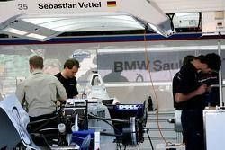 Sebastian Vettel dans les stands