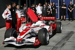 Anthony Davidson, Super Aguri F1 Team, Aguri Suzuki, Super Aguri F1, Takuma Sato, Super Aguri F1