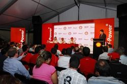 Kimi Raikkonen, Scuderia Ferrari, Felipe Massa, Scuderia Ferrari and Lisa Lilley, Shell, Formula 1 Project Manager - Shell Press Conference