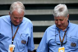 Charlie Whiting et Herbie Blash