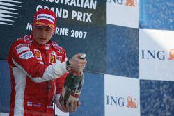 Podio: il vincitore Kimi Raikkonen, secondo classificato Fernando Alonso, terzo cassificato, Lewis Hamilton