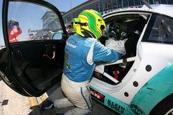 arrêt au stand pour la #10 Konrad Motorsport Porsche 911 GT3 RS: Philip Collin, Antonio Hermann, Luc