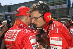 Chris Dyer, Scuderia Ferrari, Track Engineer of Kimi Raikkonen and Kimi Raikkonen, Scuderia Ferrari