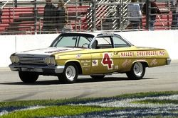 1962 Champion national NASCAR Grand Rex blanc dans une réplique de sa Chevy Impala 1962
