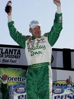 Victory lane: le vainqueur Jeff Burton