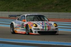 #86 Imsa Performance Matmut Porsche 997 GT3-RSR