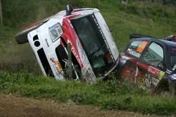 Gilles Schammel et Renaud Jamoul, JPS Junior Team, Citroën C2 R2, sont sortis de la piste et ont tapé dans le côté de la Renault Clio de Michal Kosciuszko