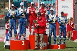 Podium: les vainqueurs Sébastien Loeb et Daniel Elena, seconde place Marcus Gronholm et Timo Rautianen, troisième place Mikko Hirvonen et Jarmo Lehtinen