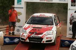 Simon et Sue Evans gagnent le rallye Queensland