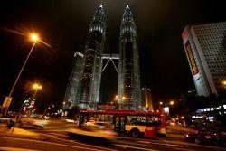 Las Torres Petronas en la noche