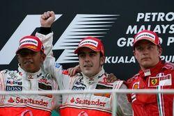 Podium: Sieger Fernando Alonso, 2. Lewis Hamilton, 3. Kimi Räikkönen