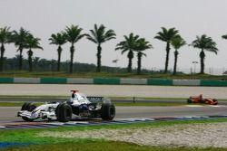 Nick Heidfeld, BMW Sauber F1 Team, F1.07 y Felipe Massa, Scuderia Ferrari, F2007