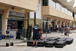 Williams F1 Team, prepare their tyres for weekend