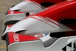Toyota Racing, ön kanat