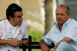 Fernando Alonso, McLaren Mercedes y Ron Dennis, McLaren, Director del equipo, Presidente