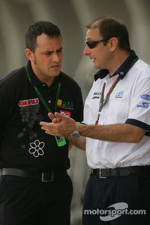 Bruno Michel (FRA, GP2 Series Organiser) and Paulo Coloni (ITA, Petrol Ofisi FMS International)