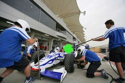 David Price Racing pit stop practice