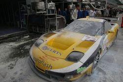 Brûlé la voiture n ° 73 de Luc Alphand Aventures Corvette C5-R: Jean-Luc Blanchemain, Sébastien Dumez, Vincent Vosse