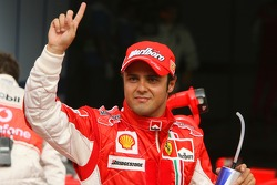 Pole: Kazanan Felipe Massa kutlama yapıyor