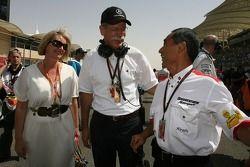Dieter Zetsche Daimler Chrysler Chairman and Hiroshi Yasukawa, Bridgestone