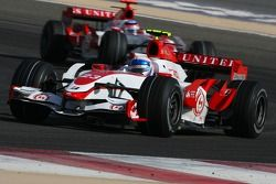 Anthony Davidson, Super Aguri F1 Team, SA07 y Takuma Sato, Super Aguri F1, SA07