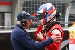 Tony Clements, titulaire du siège de A1 Equipe de Grande Bretagne et Sean McIntosh, pilote de A1 Equipe du Canada