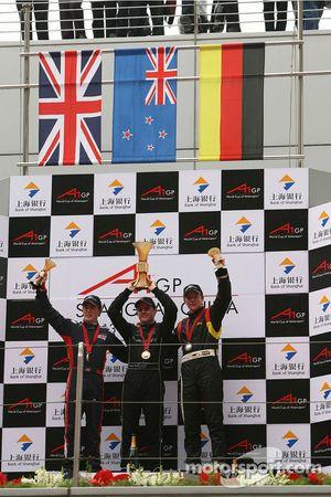 Robbie Kerr, pilote de A1 Equipe de Grande Bretagne avec Jonny Reid, pilote de A1 Equipe de Nouvelle