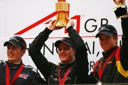 la 2ème place pour Robbie Kerr, pilote de A1 Equipe de Grande Bretagne, la 1ère place pour Jonny Rei
