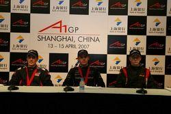 Conférence de presse avec Robbie Kerr, pilote de A1 Equipe de Grande Bretagne, Jonny Reid, pilote de A1 Equipe de Nouvelle Zélande et Nico Hulkenberg, pilote de A1 Equipe d'Allemagne