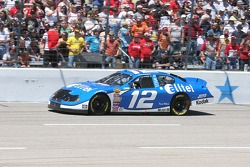 Ryan Newman's damage car returns to the race